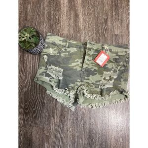 Mossimo Camo High Rise Short Shorts